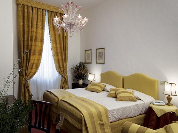 Camera superior Hotel Columbia Roma