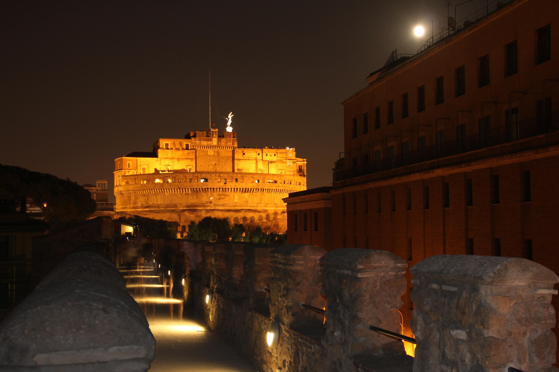 Rome-Passetto-di-Borgo-and-Castel-Sant'Angelo